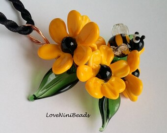 Black eyed Susan - Rudbeckia Flowers - Lampwork Glass Copper Wire - Pendant
