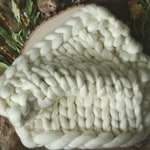 Newborn Photography Prop - Chunky Mini Layer - Cream