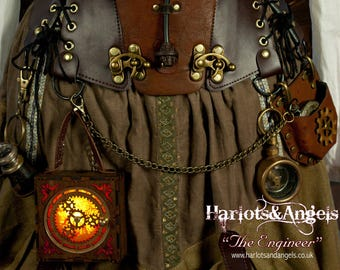 Steampunk lamp - Gadgets - Accessories -  Cosplay Box - Attach Corsets & Belts Working Gears, wearable lantern - Make Your Costume Glow