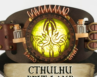 Cthulhu Steampunk Cosplay Belt lamp, Green Lamp to Wear on Belts, Bags, Harness, Larp and Fantasy Costumes, Make your Outfit Stand Out