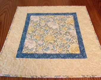 Quilted Table Topper, Quilted Table Runner, Floral Table Topper, Handmade Runner, Spring Table Topper, Table Decor, Coffee Table Decor, Mums