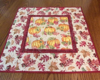 Quilted Fall Table Topper, Quilted Table Runner, Handmade Runner, Pumpkin Table Topper, Thanksgiving Table Topper,  Kitchen Table Decor