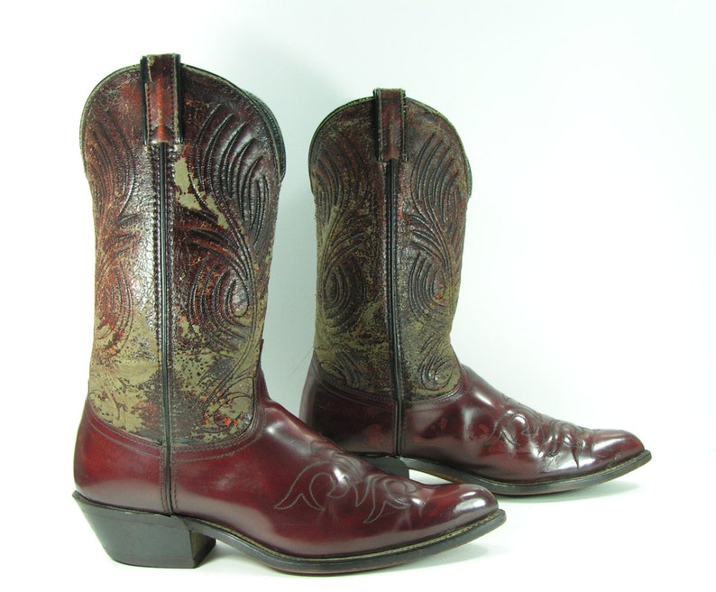 53a2897bee2 vintage cowboy boots mens 10.5 D burgundy cordovan western 1980s leather  Laredo