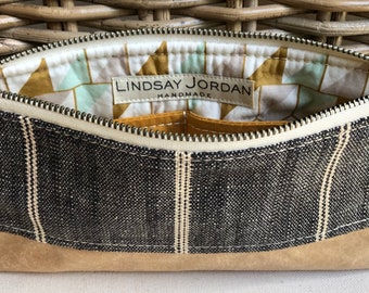 Black and off-white LINEN & tan/natural sheepskin LEATHER wristlet pouch: mint gold white patterned lining   pumpking/gold interior pocket