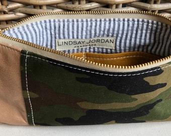 Dark army green, black, brown canvas CAMOUFLAGE & tan LEATHER wristlet pouch: gold/pumpkin pockets   black, white seersucker lining
