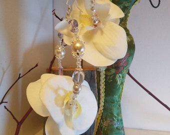 "Orchid White flower hoops ""Tiffany"""