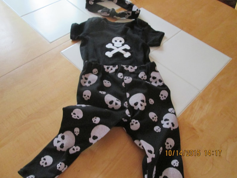 Little girls 18 months outfit skull and crossbones