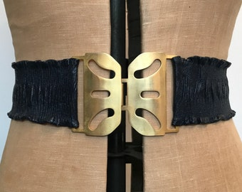 Vintage navy blue wide ruched leather waspie belt with goldtone buckle - S/M
