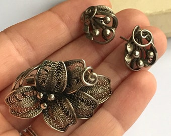 Scandinavian styled vintage matching brooch and earrings set - floral and filligree