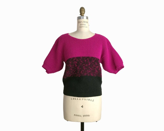 Vintage 80s Colorblock Sweater in Pink & Black / Chunky Knit Short Sleeve Sweater / Magenta Pink - women's small/medium