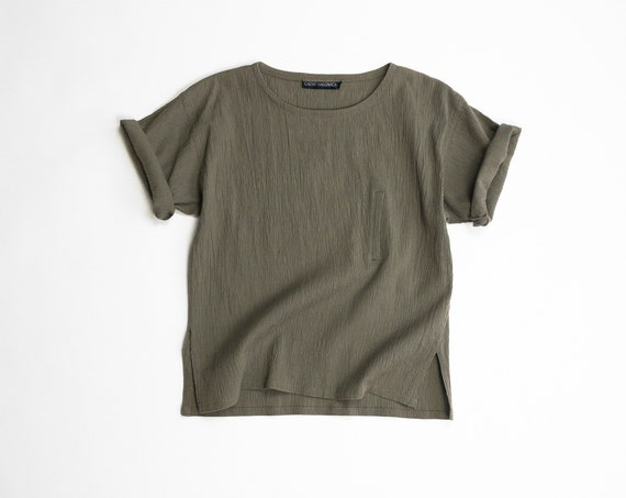olive linen crinkle blouse | short sleeve boxy tee | 90s minimalist top