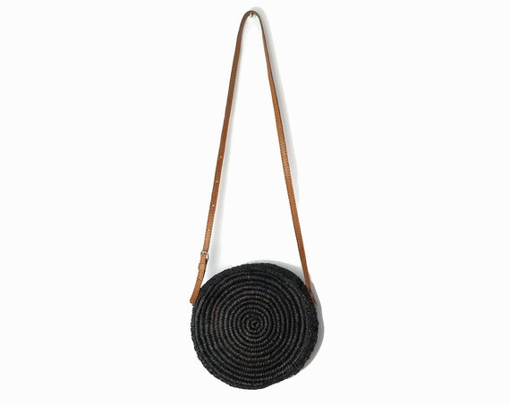 Vintage Woven Circle Bag in Noir / Woven Raffia Purse / Black Brown Circular Crossbody Bag