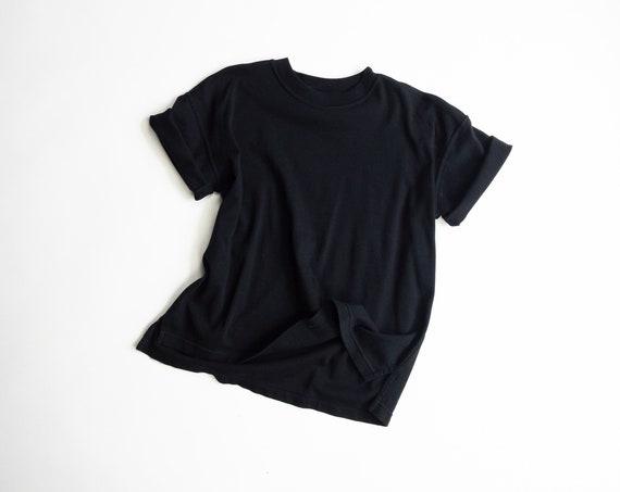 black DKNY vintage t-shirt | cotton tee | 90s | oversized boxy