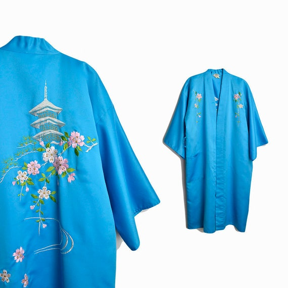 Vintage Japanese Cherry Blossom Kimono Robe in Sky Blue / Embroidered Satin Kimono / Sakura Cherry Blossoms - women's small
