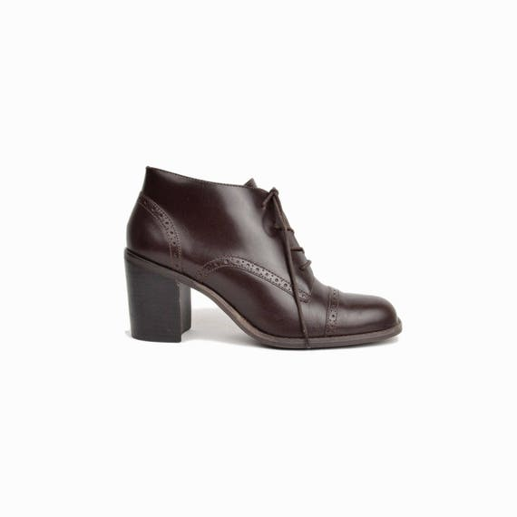 Vintage 90s Heeled Brown Ankle Boots / Brogue Boots / Espresso Brown Boots - women's 8.5