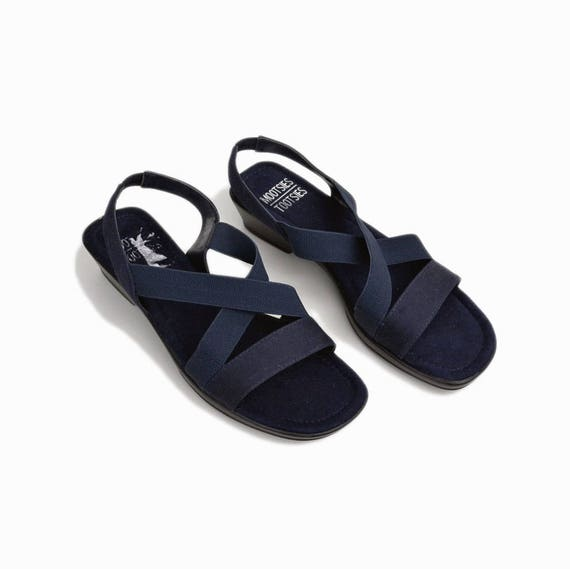 navy elastic stretch sandals | 90s vintage