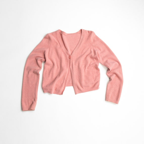 textured pink cardigan | 90s cropped sweater
