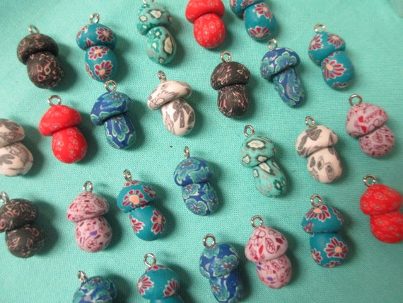 Lot 15 fimo clay mushroom beads  charms  pendants shrooms for hemp necklace U.S