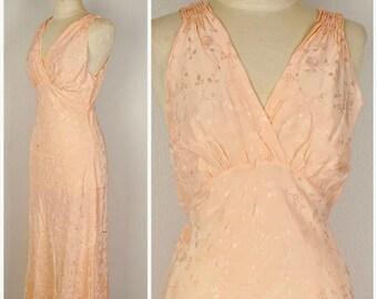 Silk Bias Cut 40s Vintage Nightgown Pale Peach Long Lady Leonora Lingerie  Gown ce2bfaefc