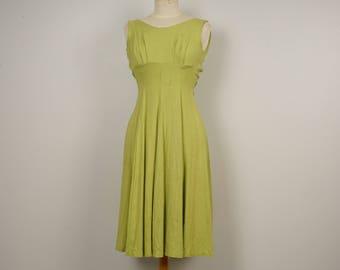 Light Green Linen Dress 50s Vintage Empire Waist Sleeveless Summer dress Full Skirt 30 bust size 00 XXS