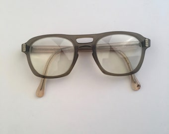 faa8eae6b636 AO Flexi Fit horn rim glasses 50s to 60s vintage oversized square eyeglass  frames gray green heavy plastic safety glasses