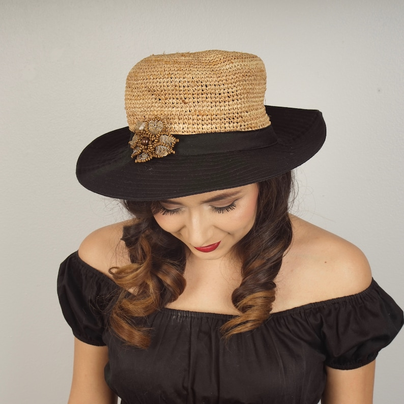 3e4eab855899e Natural straw and black cotton sun hat wide brim 90s vintage