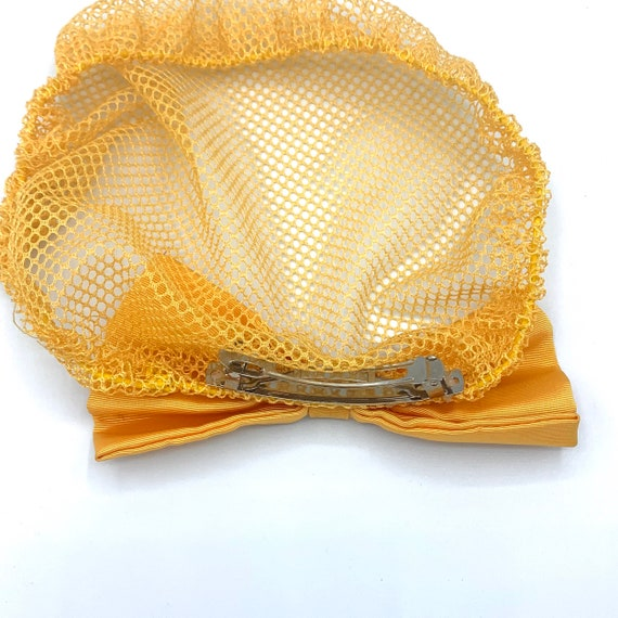 yellow lace snood with clip-on bow 90s does 40s v… - image 2
