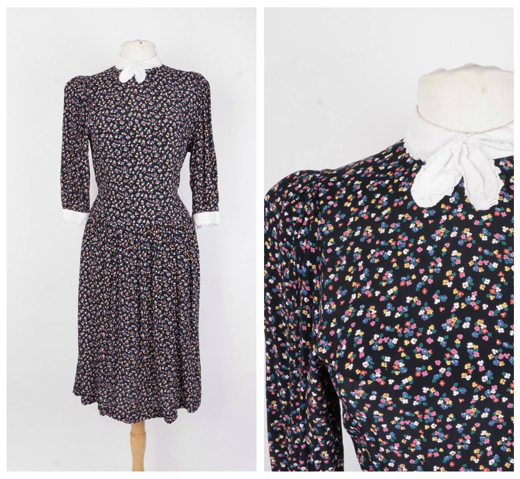 e9f669391991 Romantic Navy Blue Floral 70s 80s Vintage Midi Dress Drop | Etsy