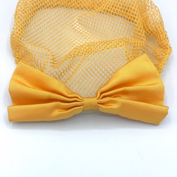 yellow lace snood with clip-on bow 90s does 40s v… - image 4