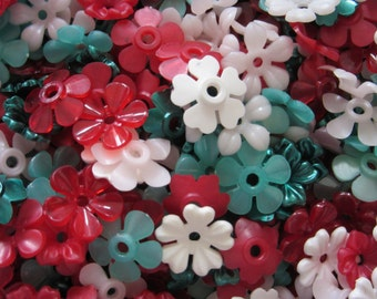 flower beads Flowers hole in middle 100 plastic FLOWERS in 14mm Limey LEMON SHERBET, jewelry supply craft supplies