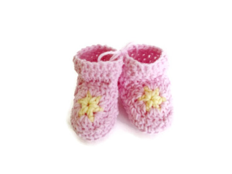 eb0529192b220 Purple and White Pastel Star Booties Matching Set of 2 Great for Preemie  Premature Twin Girls Little Infant Early Babies