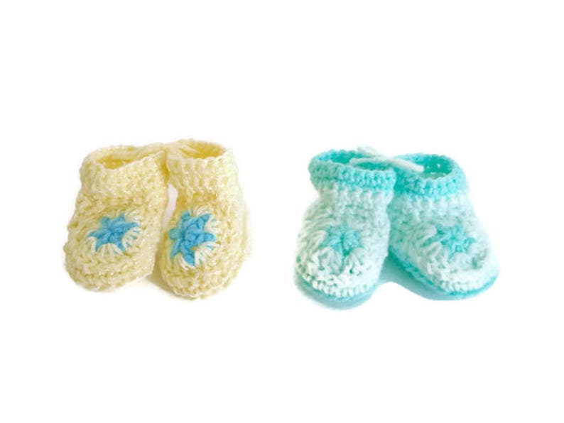 b37f0f0808966 Yellow and Mint Green Pastel Star Booties Matching Set of 2 Great for  Preemie Premature Twins Little Infant Early Babies Gender Neutral