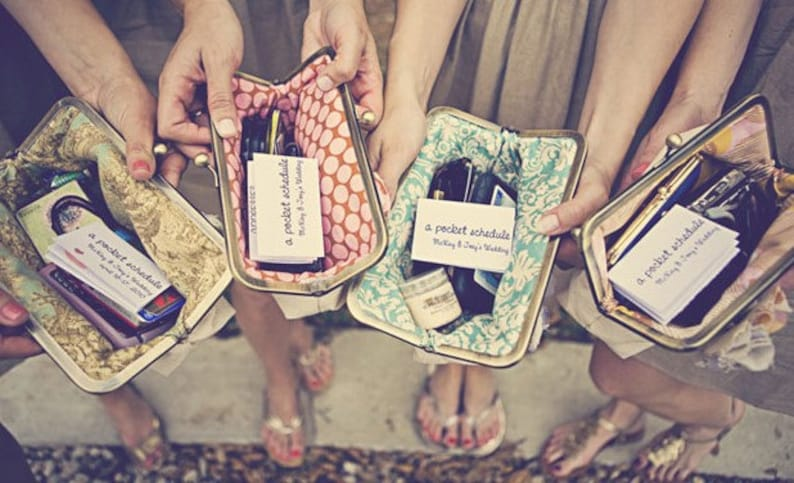 custom : bridesmaids gifts personalized clutches valentine image 0