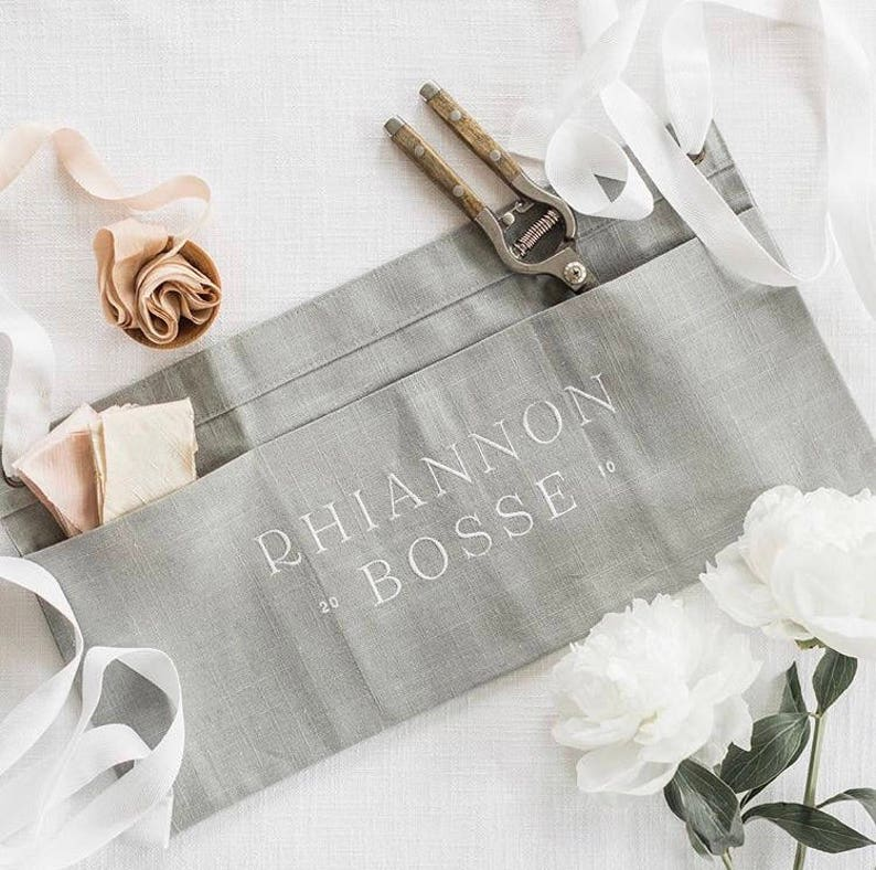 custom SHORT half apron : vendor aprons, custom embroidery, florist apron,  event planner apron, photographer apron, bakery apron