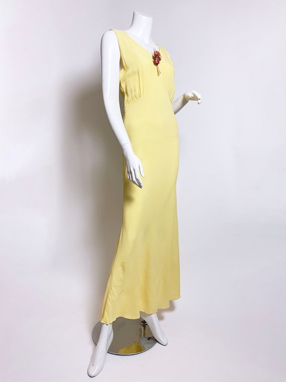 1930s Yellow Floral Rayon Bias Cut Slip Dress - image 2