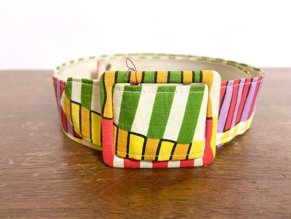 1950s to 60s Printed Belt - image 3