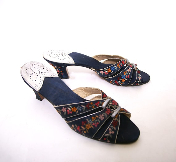 1930s Embroidered Silk Shoes - image 6