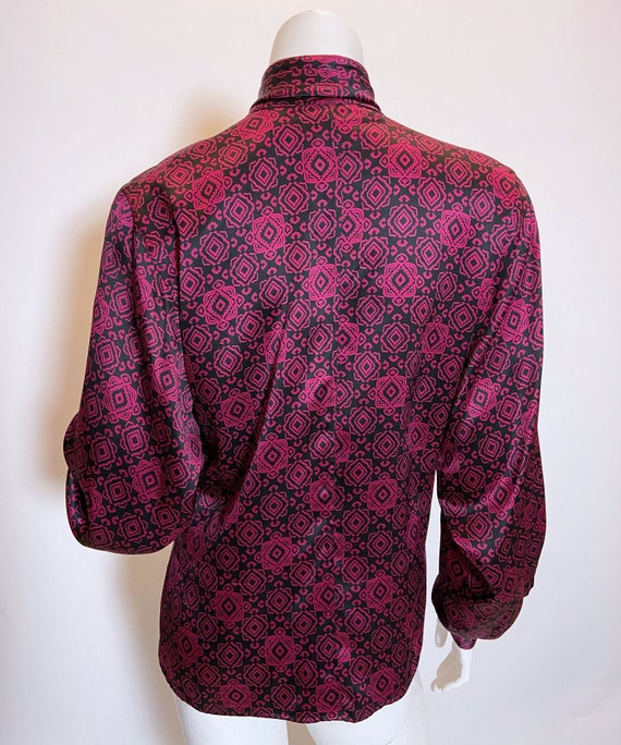 1970s to 80s Gucci Silk Printed Blouse - image 4