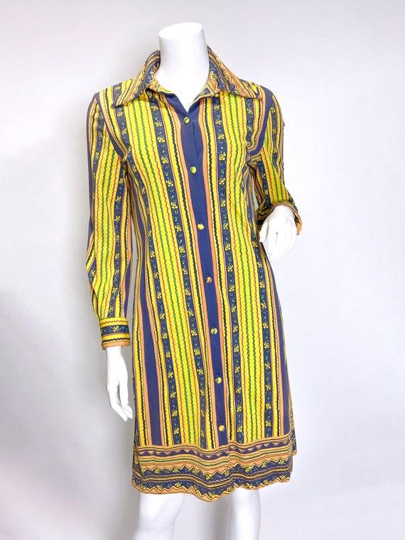1970s Vera Neumann Printed Shirt Dress - image 4