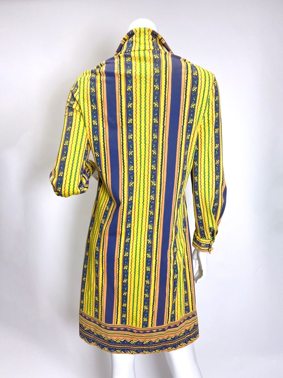 1970s Vera Neumann Printed Shirt Dress - image 2
