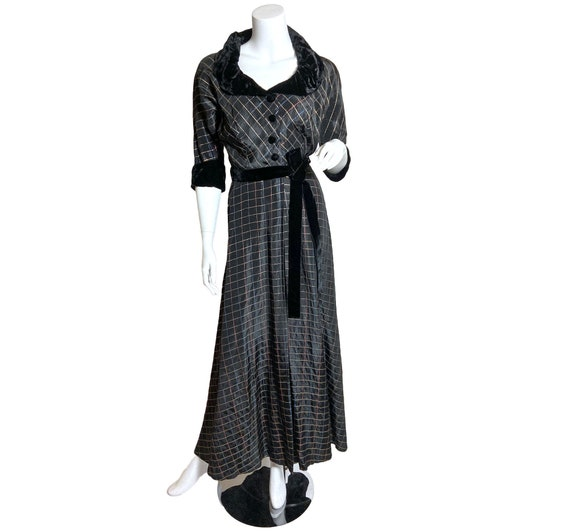 1940s Hostess Gown in Taffeta with Lurex Plaid and
