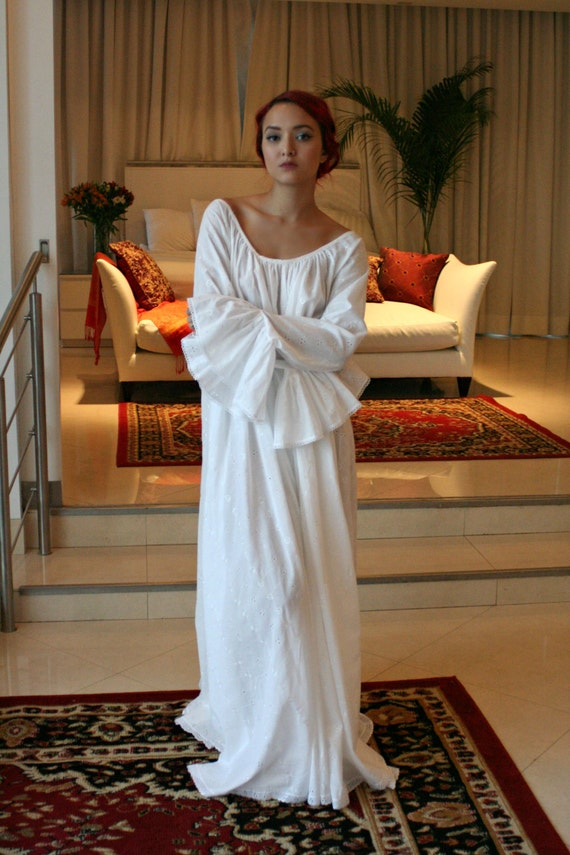 100 Cotton Embroidered White Nightgown Long Sleeve Jane