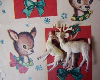little plastic vintage deer set