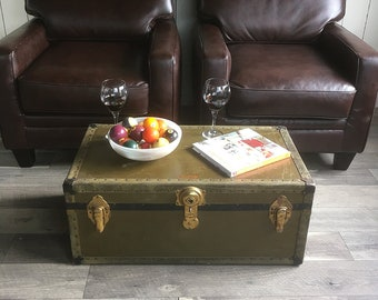 Old Footlocker, Travel Trunk, Steamer Trunk, Coffee Table Trunk with Original Tray