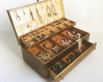 Mid Century Lady Buxton Jewelry Box - Jewelry Case