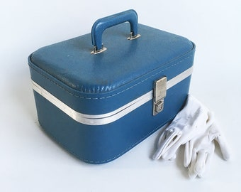 Blue Mid Century Train Case, Makeup Case with Mirror