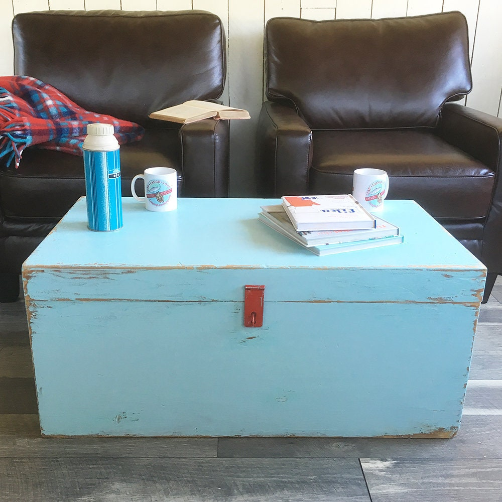 Coffee Table Toy Chest.Vintage Shipping Trunk Storage Chest Foot Locker Coffee Table