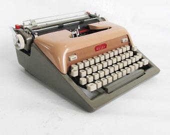 1960 Pink & Gray Royal Futura 800 Portable Typewriter with Original Case