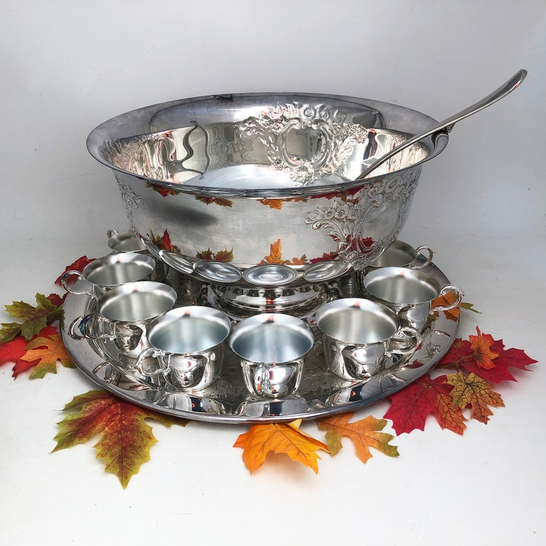 Oneida Silver-plate Punch Bowl Set Ready for Holiday image 0