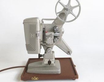 """Working 1950s Keystone 105 - 8mm Movie Projector with Carrying Case """"Art Deco Style & Crinkled Silver Finish"""""""